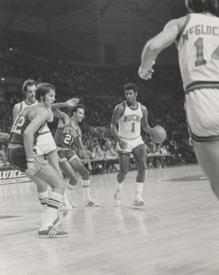 Milwaukee Bucks, McGlocklin, Robertson