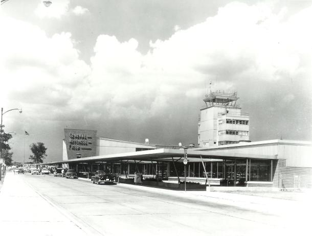 Gerneral Mitchell International Airport 001